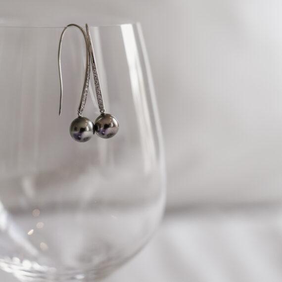 Tahitiparel oorhangers, witgoud, diamanten