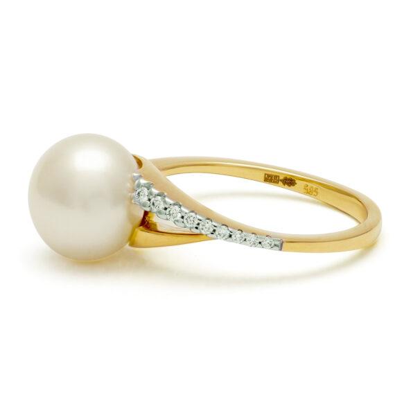 Parelring, geelgoud, platte parel en diamanten